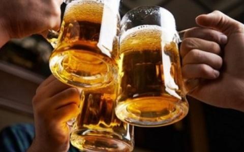 Đại biểu Quốc hội: 'Nên xây dựng văn hoá rượu, bia thay vì cấm uống'