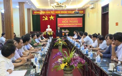 Trao quyết định của Ban Thường vụ Tỉnh ủy về công tác cán bộ