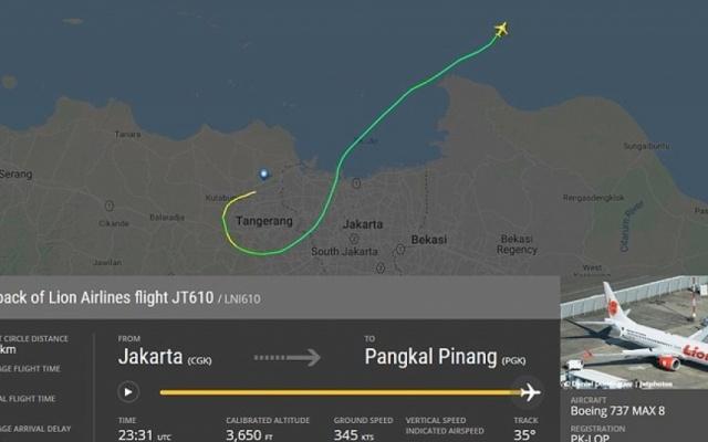 Hiện trường vụ máy bay Indonesia chở 188 người lao xuống biển